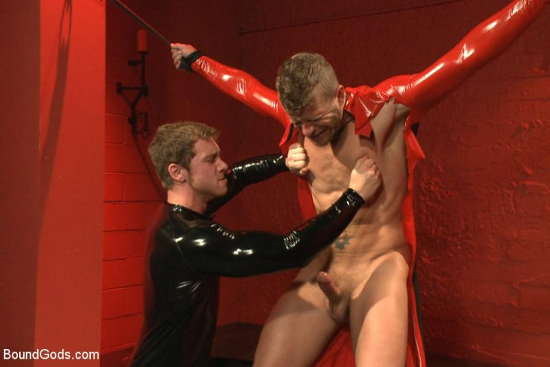 Mencom connor maguire jeremy spreadums commuters drill my hole