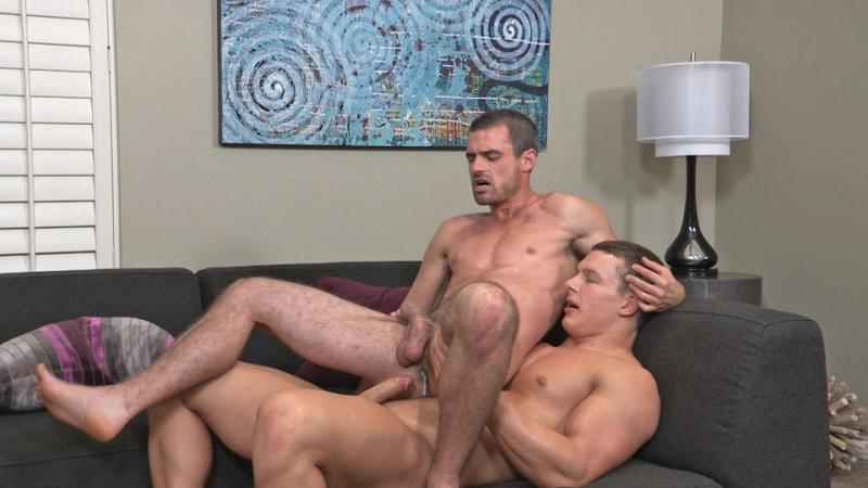 Showing porn images for muscle bear daddy gay gif porn