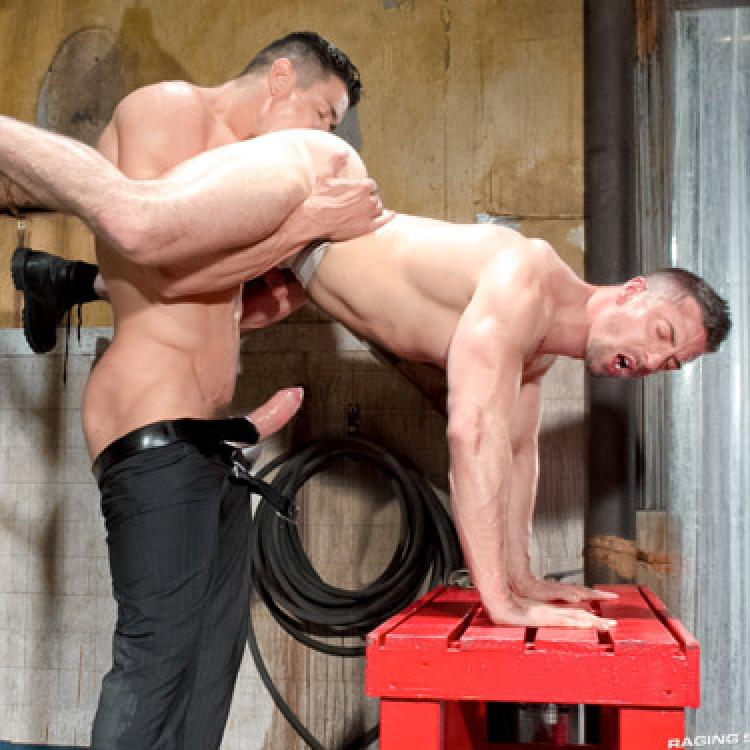 Trenton Ducati fucks Scott Hunter - Raging Stallion photo gallery