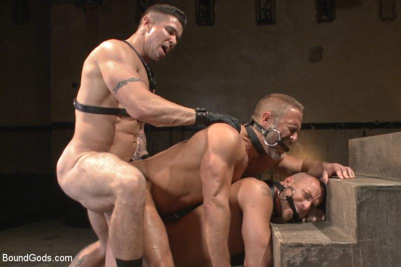 muscle men nude gangbang