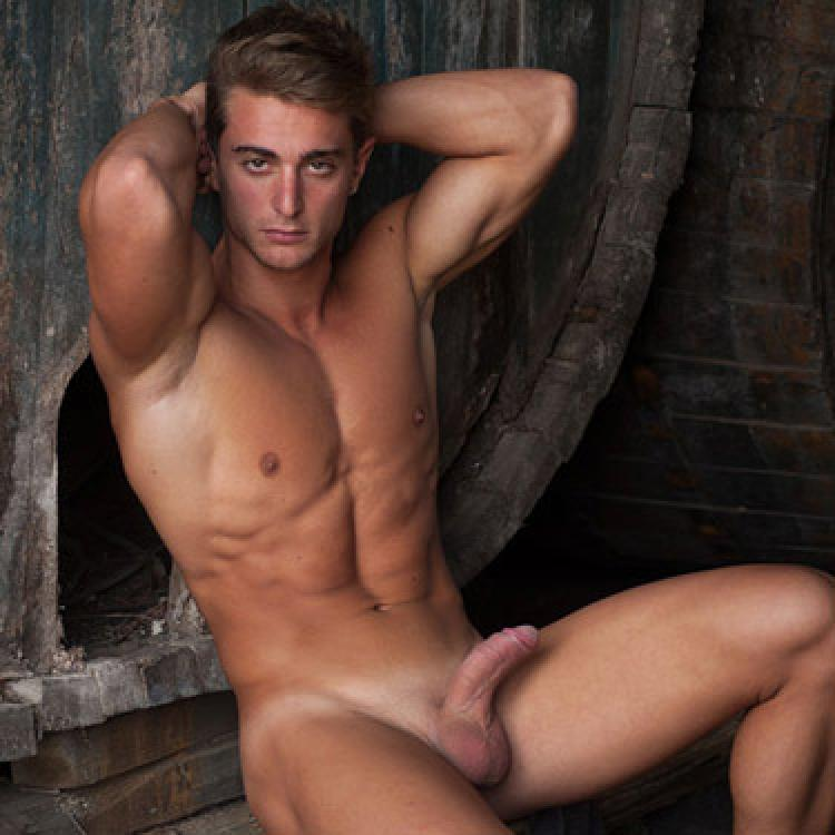 Carmelo - Lucas Kazan photo gallery