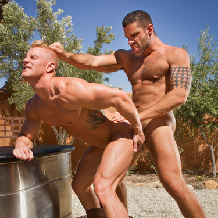 Letterio Amadeo fucks Johnny V - Raging Stallion photo gallery