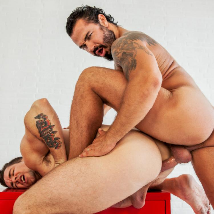 Jessy Ares fucks Trenton Ducati - Men.com photo gallery