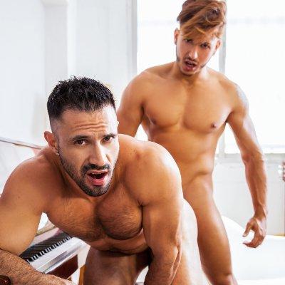 Stor booty riding dick porno