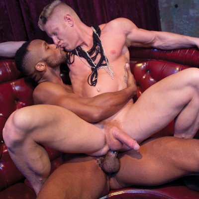 Andre Donovan hammers Johnny V - Falcon Studios photo gallery