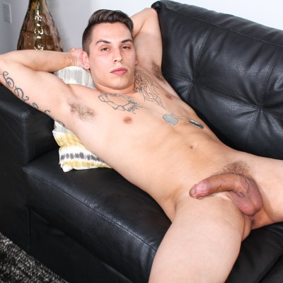 Xavier Cross rubs one out - Active Duty photo gallery