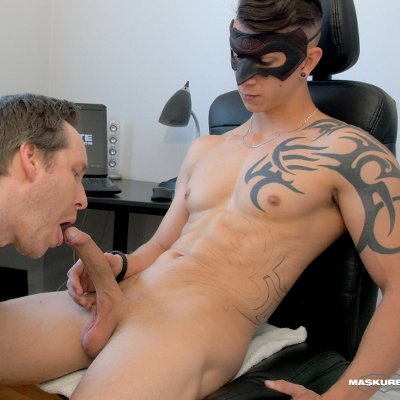 Marc gets oral service - Maskurbate photo gallery