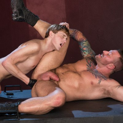 Hugh Hunter fists Colin Bryant - Club Inferno Dungeon photo gallery