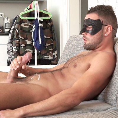 Jeffrey Lloyd shoots a load - Maskurbate photo gallery