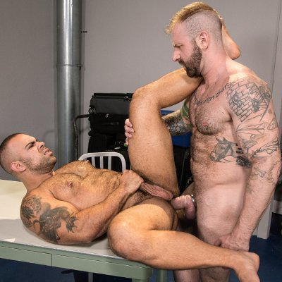 Aleks Buldocek drills Lorenzo Flexx - Raging Stallion photo gallery