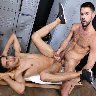 ο γιος έχει σεξ με τη μαμά πορνό