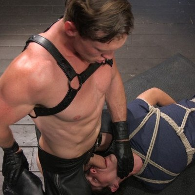Pierce Paris takes control of Tony Orlando - Kink Men photo gallery