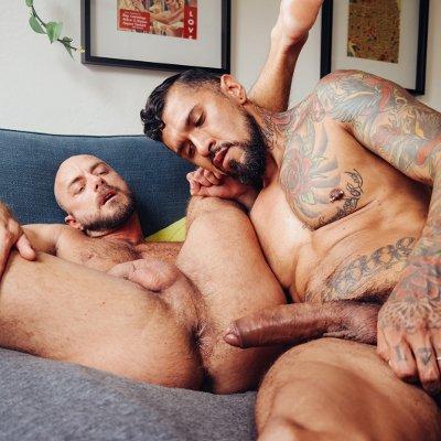 sexe anal entre deux hommes