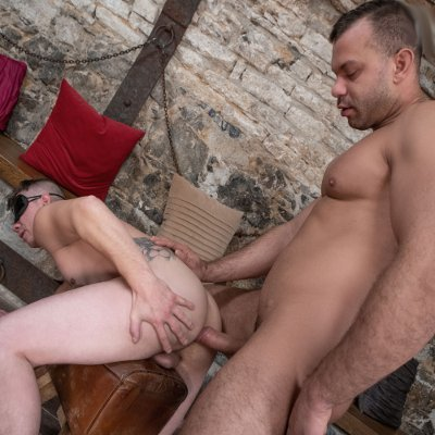 Dee plunges into Ryu's hungry hole - Bromo photo gallery