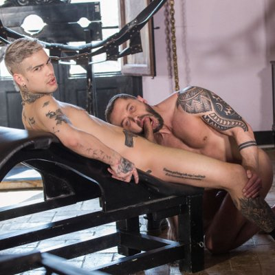 Mickey Taylor impales Tyler Berg - Bromo photo gallery