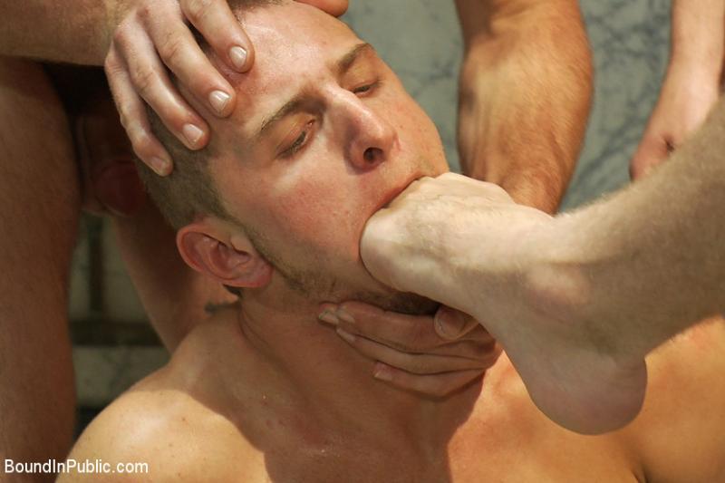 Геи трахает в рот